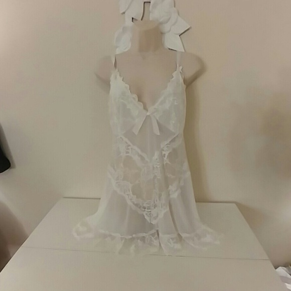 Vintage Other - White lace bridal chemise